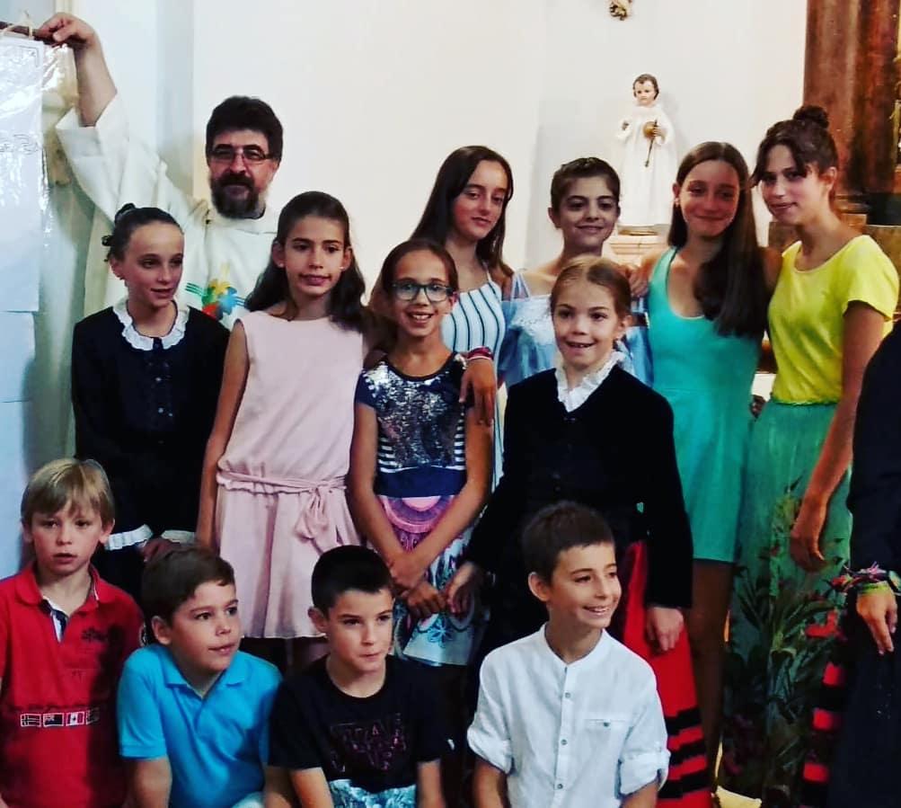 Protagonistas de la original y animada misa de la fiesta de San Benito