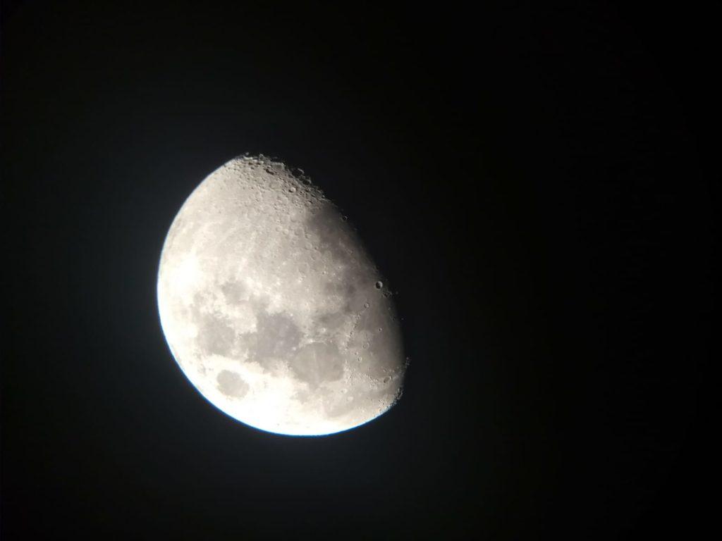 Observando el cielo con los monitores de Astroaficion